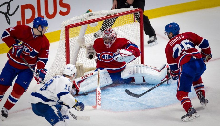 Ondrej Palat a brisé la glace pour le Lightning en marquant un but bizarre en 2e période. (André Pichette, La Presse)