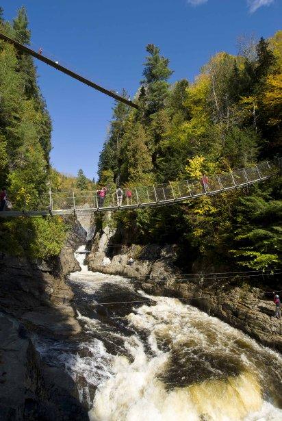 Vous n'avez pas le vertige? Faites un arrêt au canyon Sainte-Anne sur le chemin du retour. (Photo fournie par Canyon Sainte-Anne)