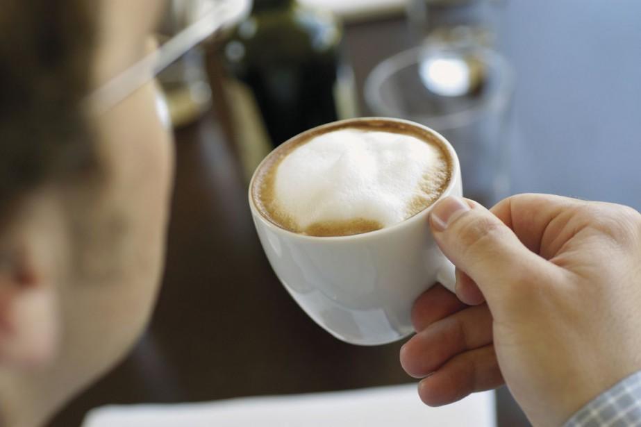 En augmentant leur consommation de café, les buveurs de café... (Photos.com)