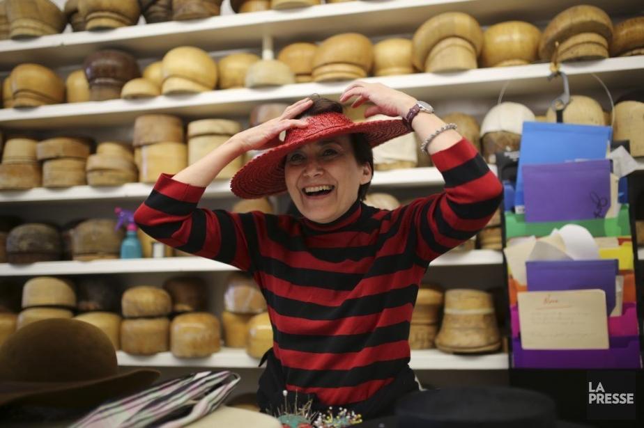 La modiste Lucie Grégoire crée des chapeaux personnalisés. Parmi ses... | 2014-05-05 00:00:00.000
