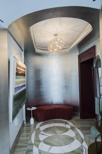 Un ascenseur donne directement accès au luxueux appartement. (Photo Edouard Plante-Fréchette, La Presse)