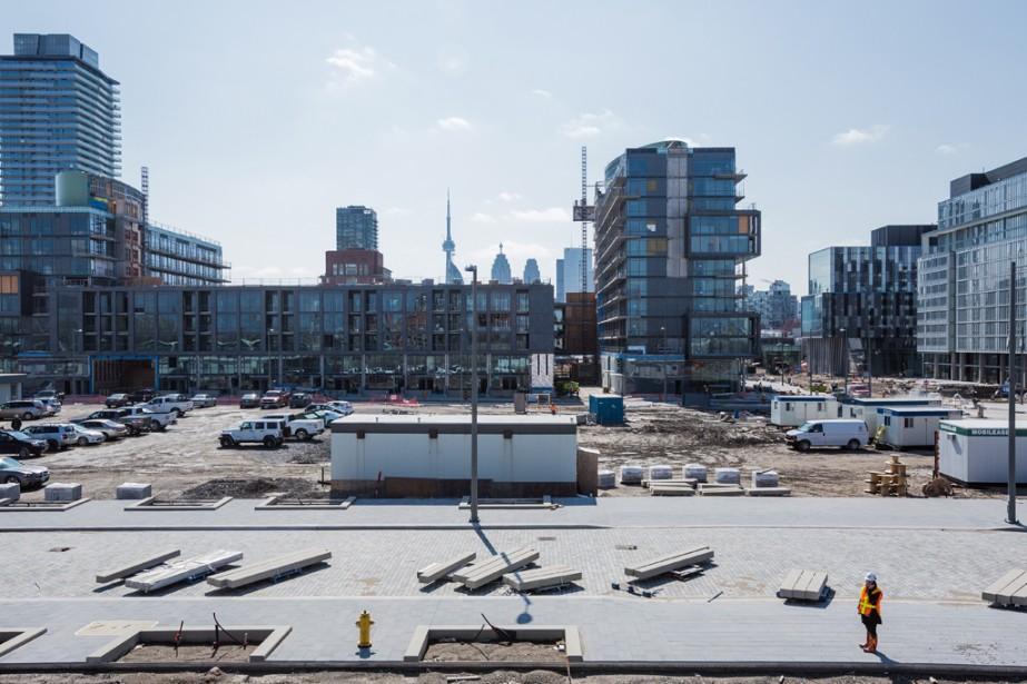 Les immeubles du Canary District sont d'abord construits pour accueillir les athlètes des Jeux Panaméricains et parapanaméricains, qui se tiendront à Toronto en 2015. (Photo Edouard Plante-Fréchette, La Presse)