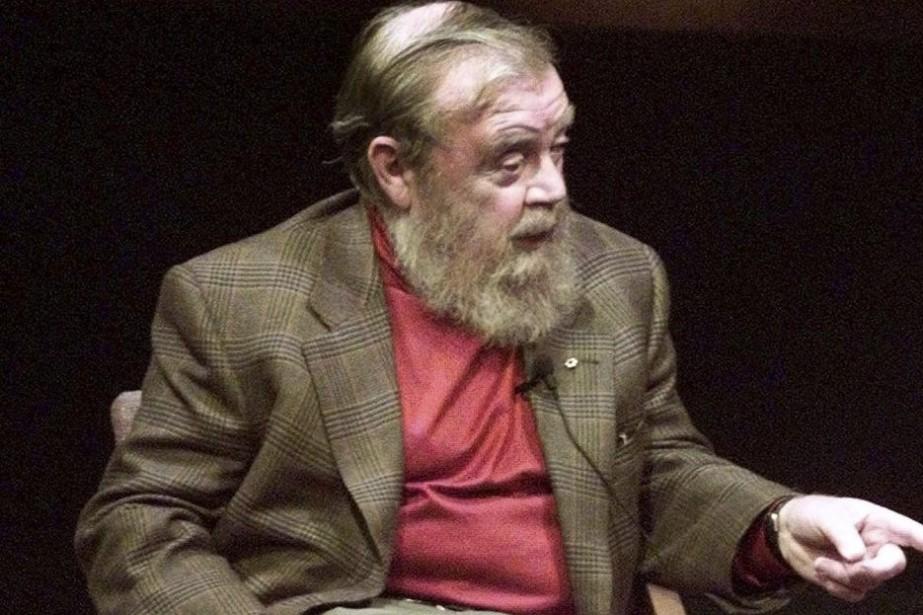 Farley Mowat en 1998.... (Photo: archives Reuters)