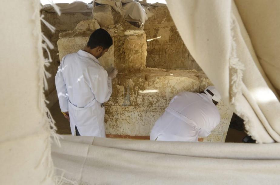 La seconde tombe, en briques de terre cuite, appartenait à Ptahmes, chef de l'armée et de la trésorerie sous Seti I et Ramsès II, l'un des pharaons les plus célèbres, connu pour ses prouesses militaires et les somptueux monuments construits sous son règne, a ajouté Mme Aguizy. (Associated Press)