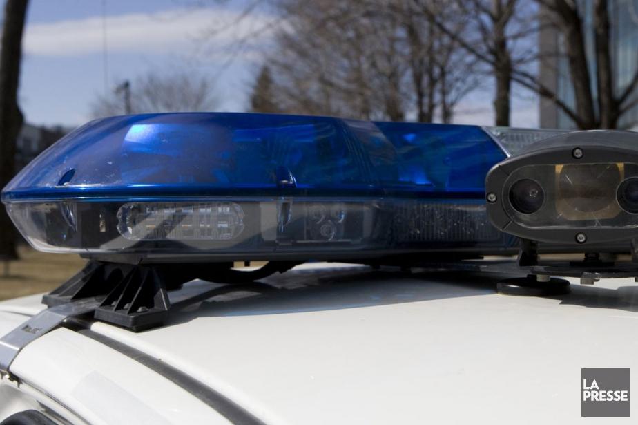 Dix-sept policiers d'Abbotsford, en... (Photo archives La Presse)