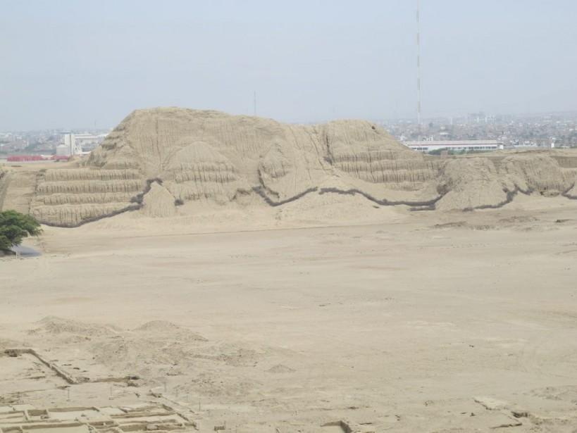 La Huaca del Sol nest pas encore accessible, mais fait l'objet de plusieurs fouilles archéologiques. (Nathaëlle Morissette, La Presse)