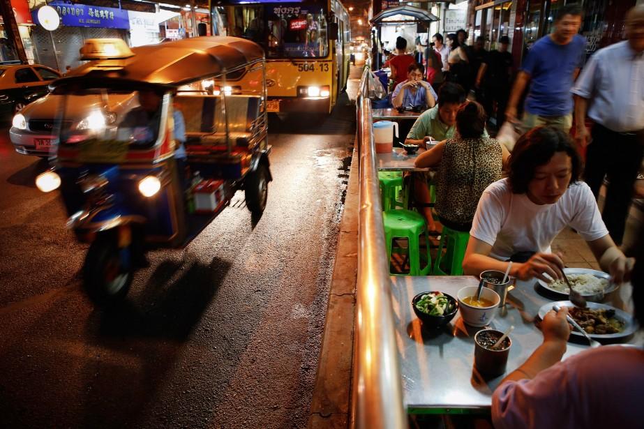 Un des grands bonheurs de votre voyage: la bouffe de rue! (Photo Damir Sagoli, archives Reuters)