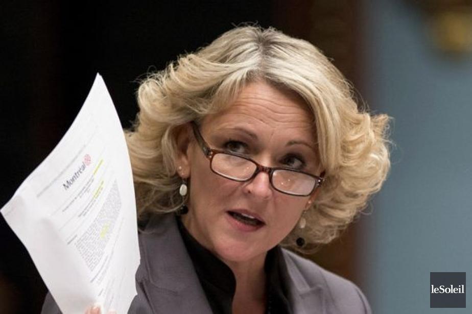 La ministre de la Sécurité publique, Lise Thériault.... (Photothèque Le Soleil)