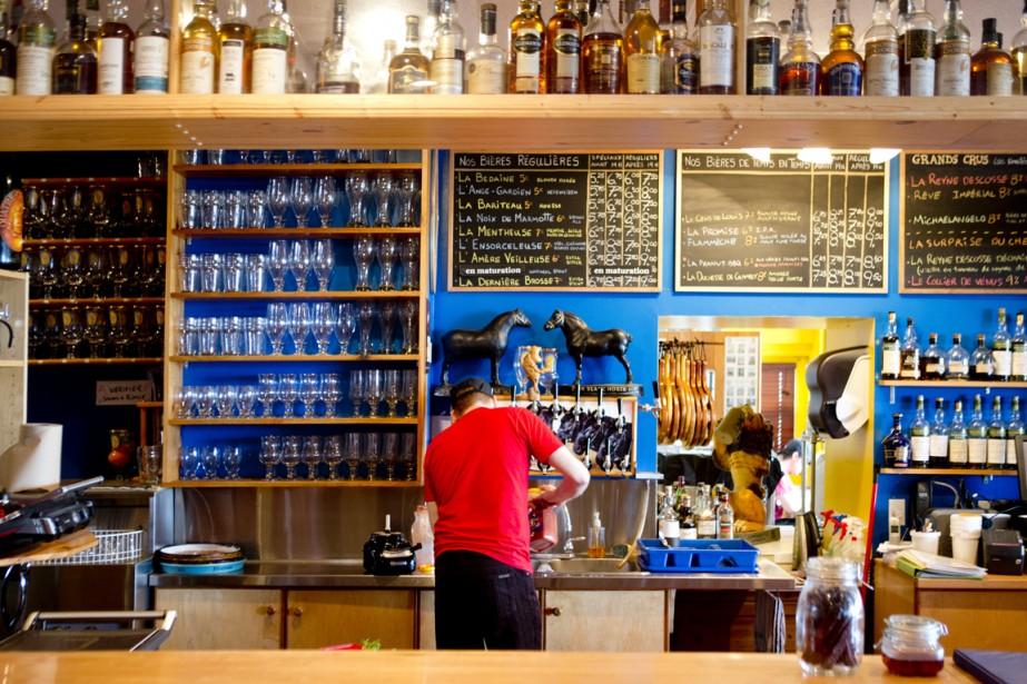 La brasserie Bedondaine et bedons ronds. (Photo Marco Campanozzi, La Presse)