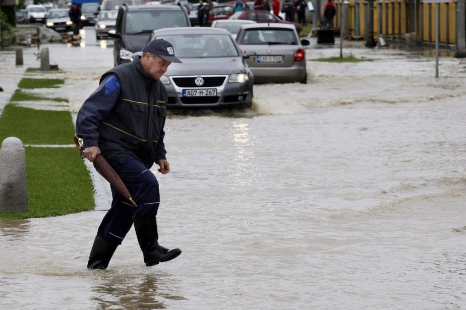 Des dizaines de villes de Bosnie et de... (Photo AFP)