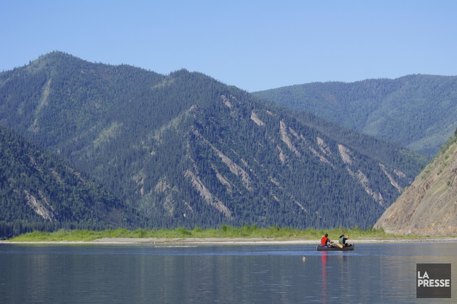 De petites îles aux plages accueillantes parsèment le fleuve Yukon. (Photo Marie Tison, La Presse)