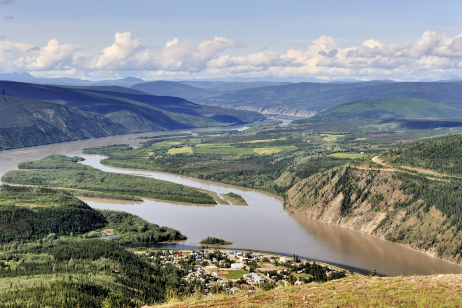 Dawson City vue du Midnight Dome. (Photo fournie par Tourisme Yukon)