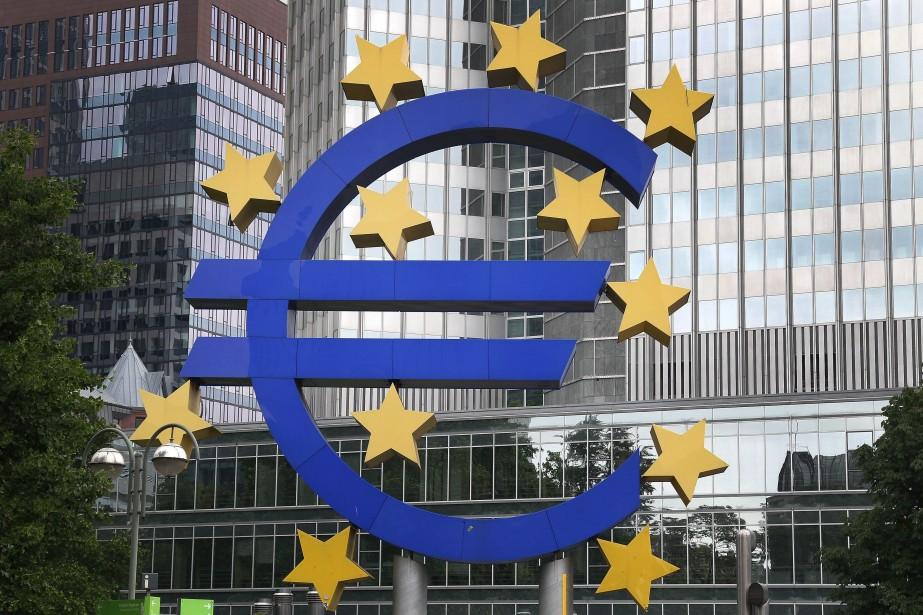 L'inflation a chuté davantage que prévu dans la... (PHOTO DANIEL ROLAND, AFP)
