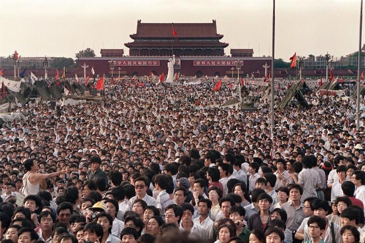 Le 2 juin 1989, des milliers de Chinois... (PHOTO CATHERINE HENRIETTE, ARCHIVES AFP)