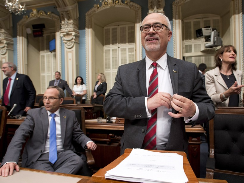 Le premier budget du ministre Carlos Leitao amorce... (Photo Jacques Boissinot, La Presse Canadienne)