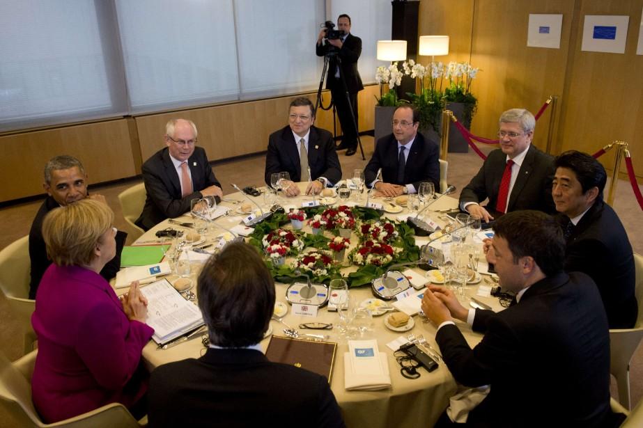 Le premier ministre Harper a fait savoir qu'environ... (Photo ALAIN JOCARD, AFP)