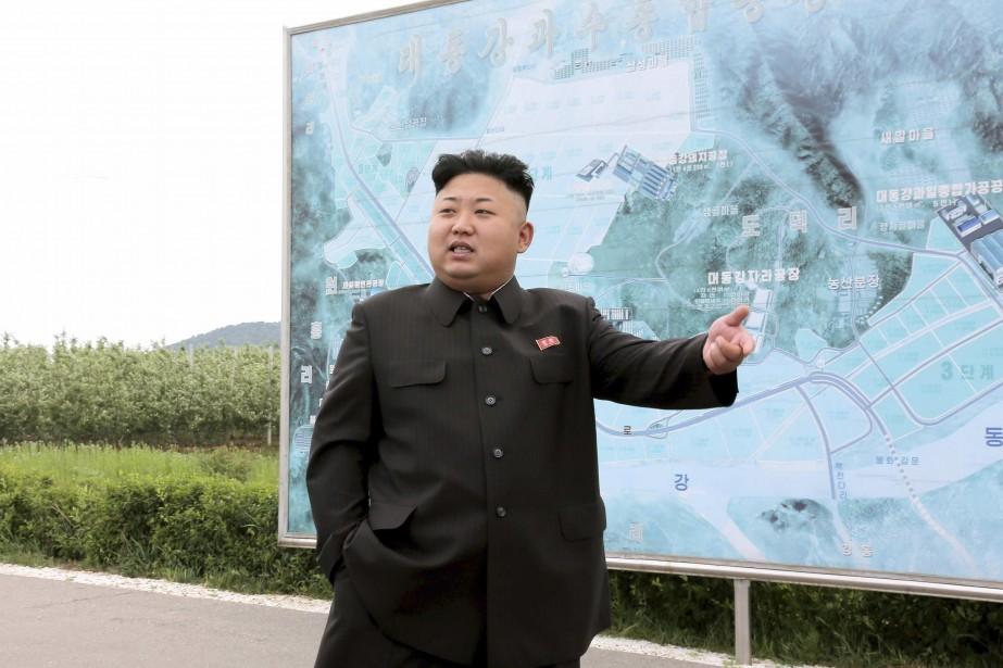 Le dirigeant nord-coréen, Kim Jong-Un, devant une carte... (Photo REUTERS)