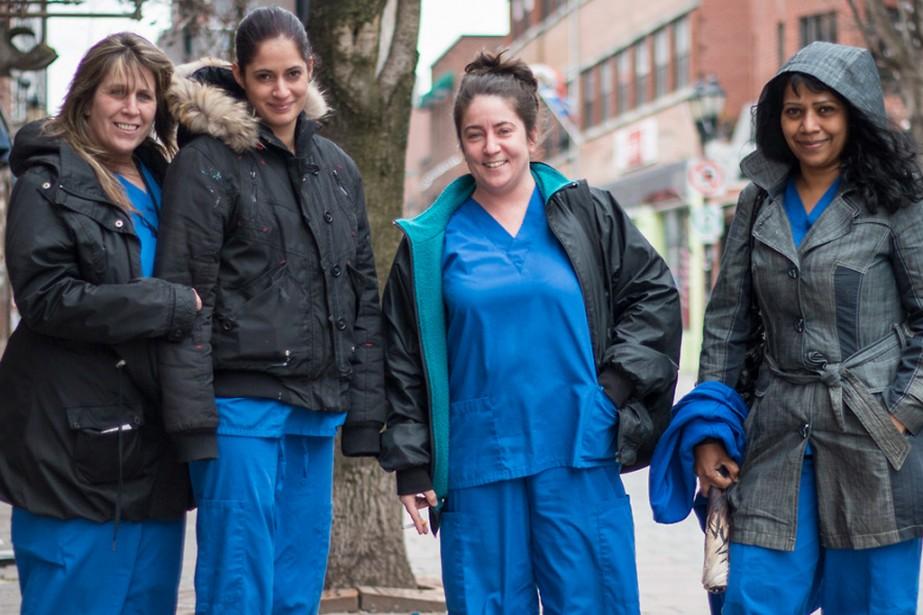 «C'est quoi, la meilleure partie du métier d'infirmière?» «C'est de piquer les gens!» (Photo fournie par Portraits de Montréal)