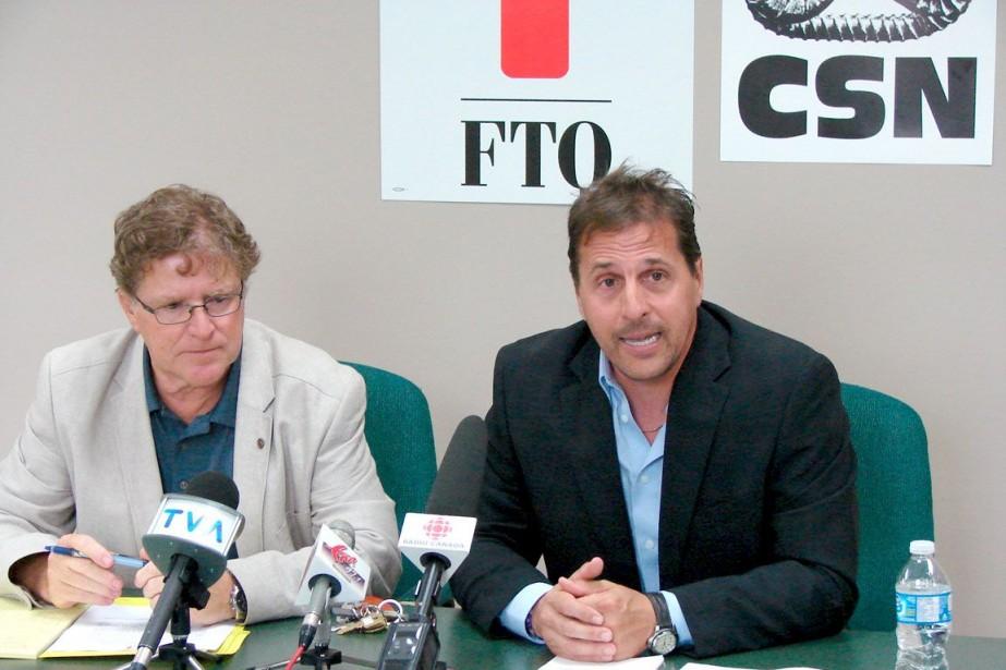 Bertrand Méthot (à gauche), le conseiller régional de... (Photo Steeve Paradis, Collaboration spéciale)