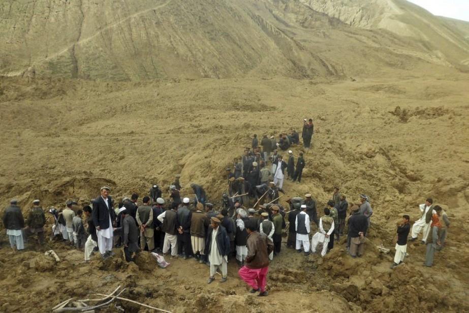 Début mai, des glissements de terrain provoqués par... (Photo Sayed Ibrahim, archives AP)