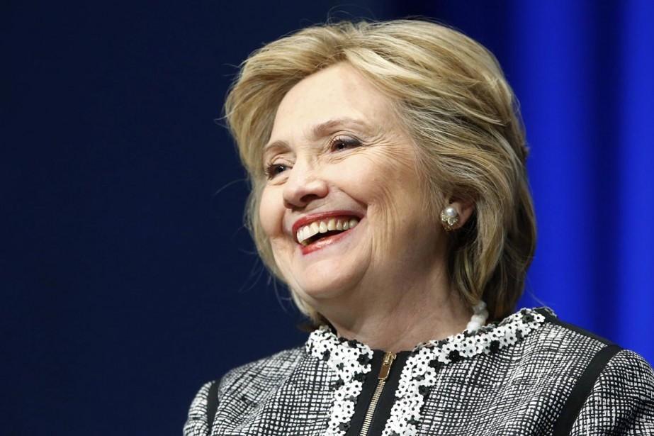 Hillary Clinton a pour la «millionième» fois... (Photo Jonathan Ernst, Reuters)