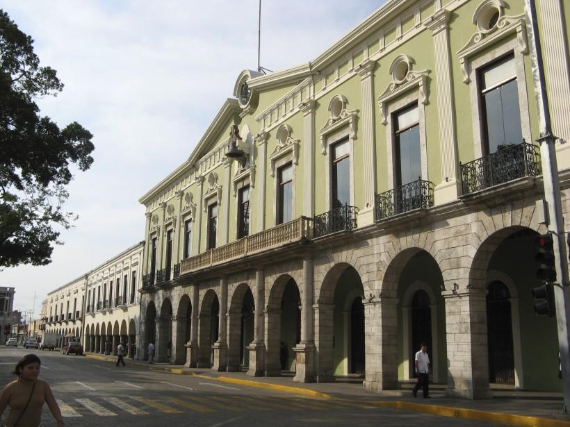 Le Palacio de Gobierno (palais du gouverneur), du côté nord du zócalo, est ouvert au public. (PHOTO MICHEL ROUSSEAU, LA PRESSE)