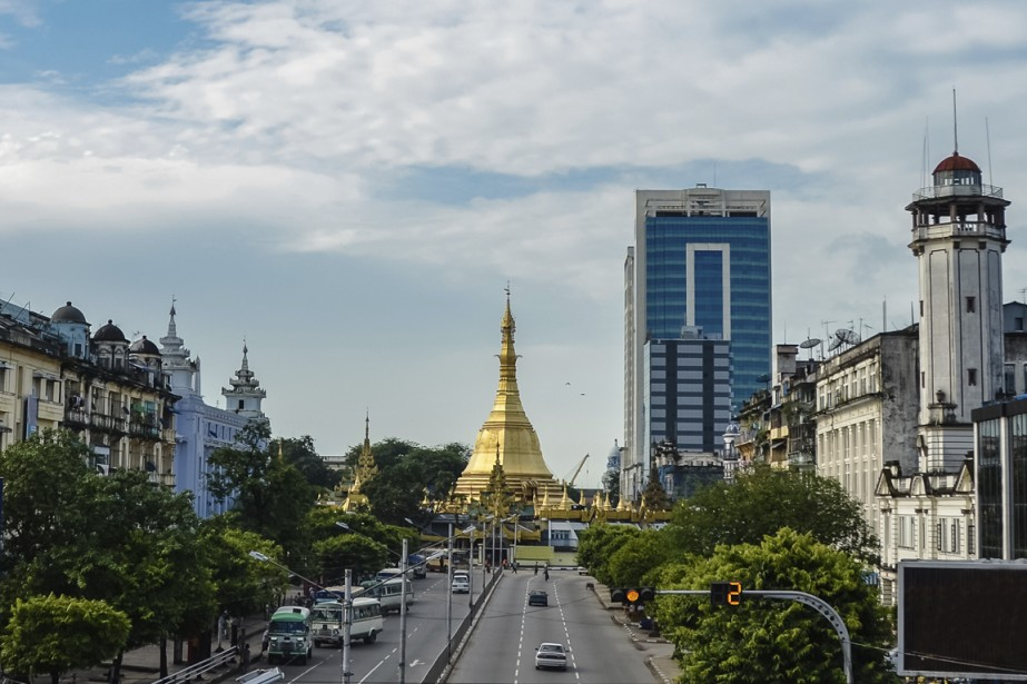 Difficile d'avoir le coup de foudre pour la plus grande ville birmane: bruyante...
