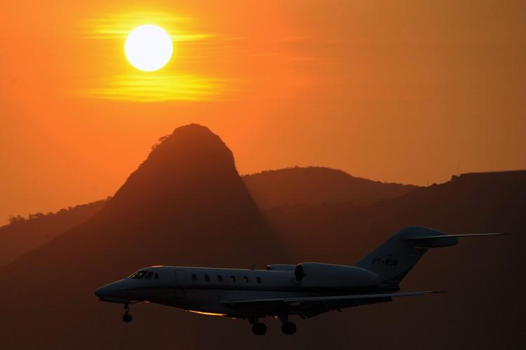 L'intersyndicale du personnel au sol des trois aéroports de Rio... (Photo: AFP)