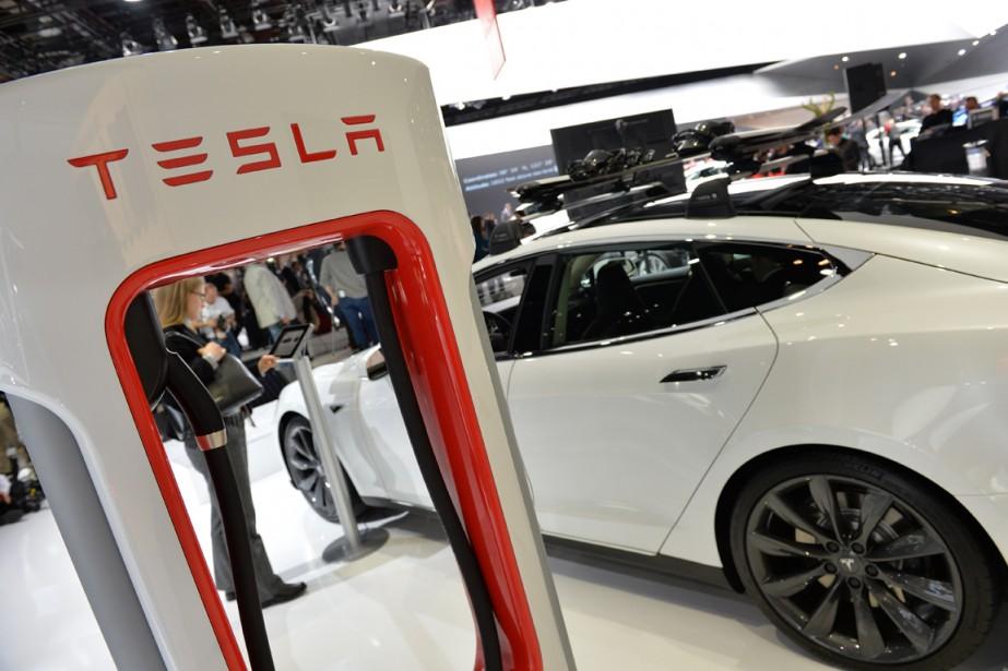 Tesla a pris l'initiative la semaine dernière de... (Photo Stan Honda, AFP)