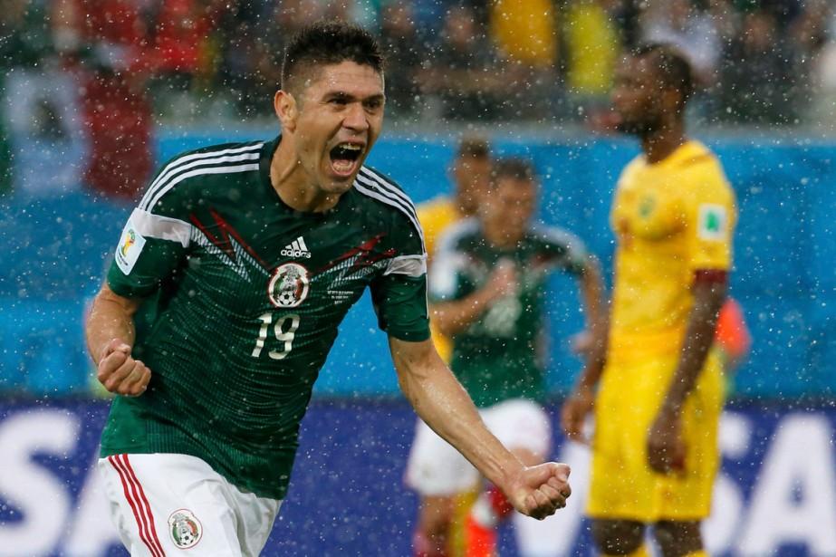 Oribe Peralta célèbre après avoir marqué pour le... (Photo Jorge Silva, Reuters)