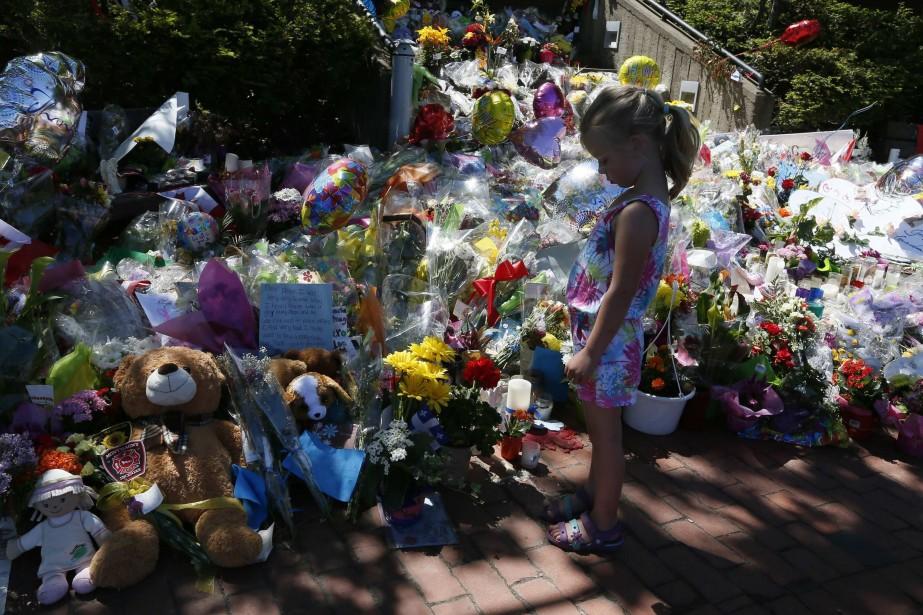 Certains objets seront remis aux familles des agents... (Photo CHRISTINNE MUSCHI, REUTERS)