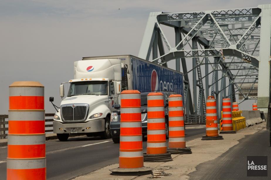 Pendant les travaux, les camions seront interdits sur... (PHOTO DAVID BOILY, ARCHIVES LA PRESSE)