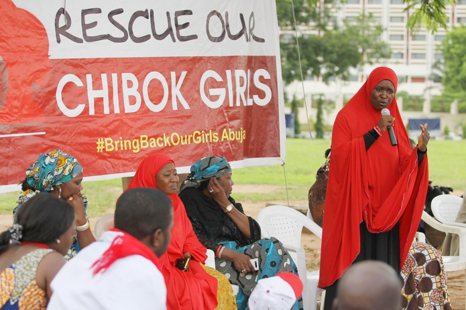 Une femme membre du #BringBackOurGirls Abuja a pris... (PHOTO AFOLABI SOTUNDE, REUTERS)
