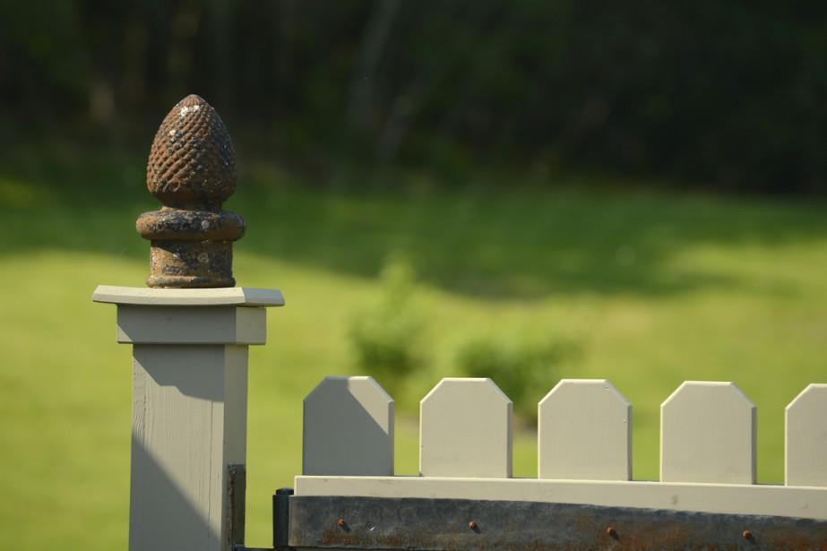 Les bazars sont remplis de petits objets vraiment pas chers qui font la différence dans le jardin, l'entrée, le balcon ou même sur la clôture! (Photo Bernard Brault, La Presse)