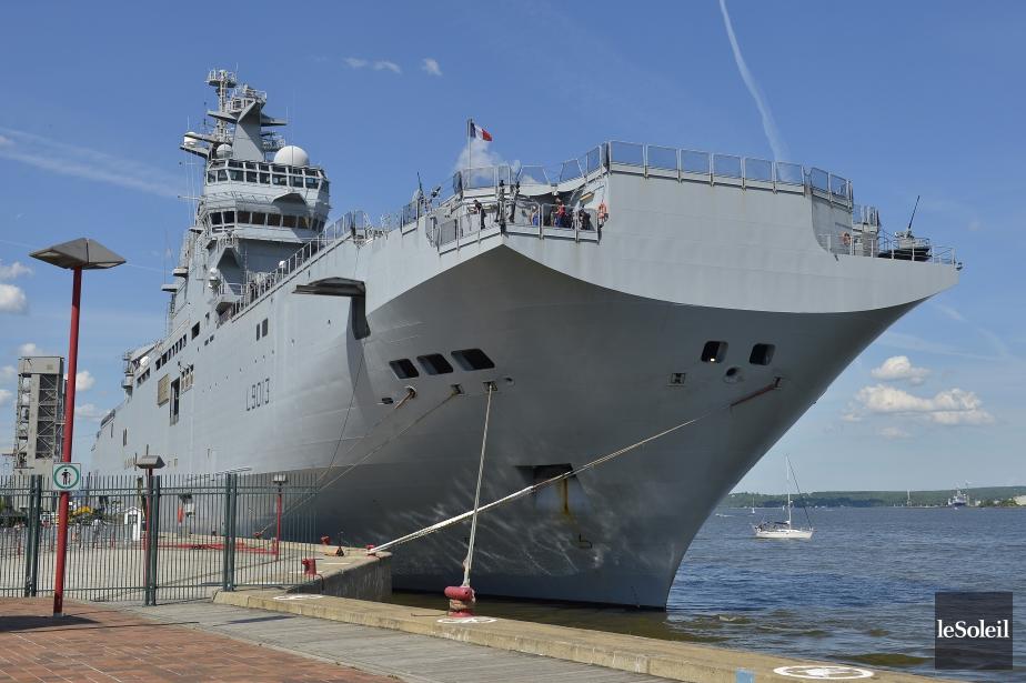 Le BPC Mistral, de la marine nationale française, en visite à Québec 871656-bateau-199-metres-long-ouvert