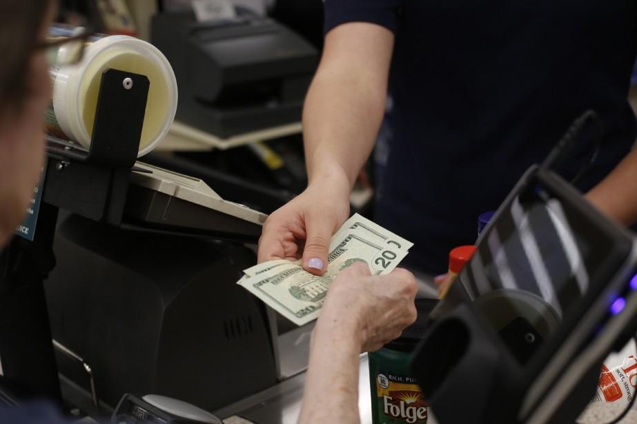 Les dépenses des consommateurs américains ont... (Photo archives Bloomberg)