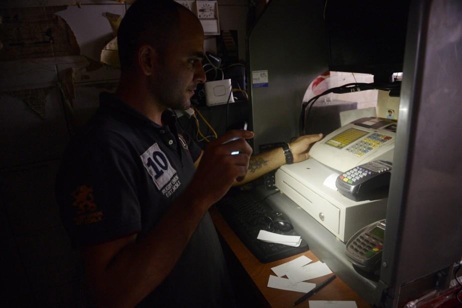 La coupure d'électricité a commencé vers 15h. Elle... (PHOTO LEO RAMIREZ, AFP)