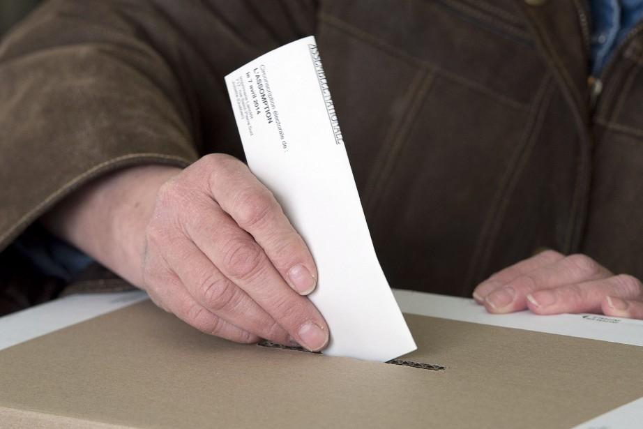 Les bureaux de vote seront... (Photo Ryan Remiorz, archives La Presse Canadienne)