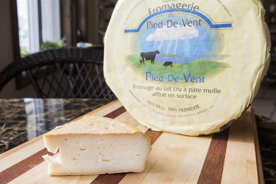 L'un des quatre fromages fabriqués à partir du lait de vaches de race canadienne. (PHOTO EDOUARD PLANTE-FRÉCHETTE, ARCHIVES LA PRESSE)
