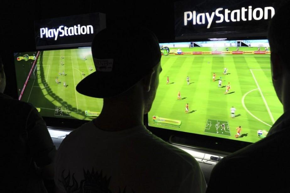 Des joueurs participent à la finale duMondial FIFA,... (PHOTO TASSO MARCELO, AFP)