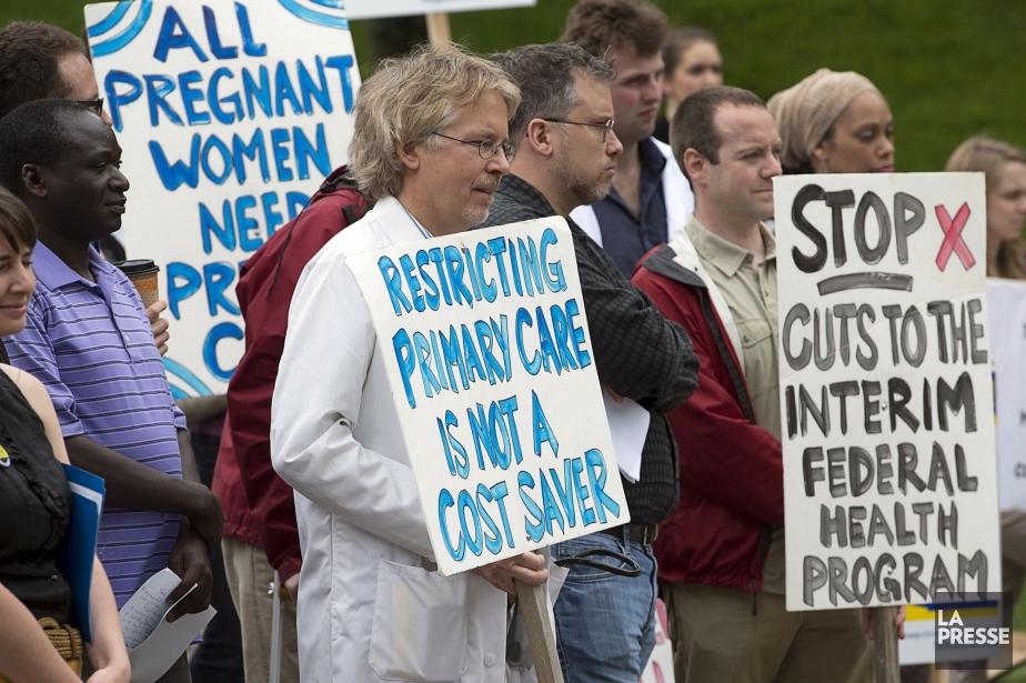 Une manifestation a eu lieu le 17 juin... (Photo Andrew Vaughan, La Presse Canadienne)