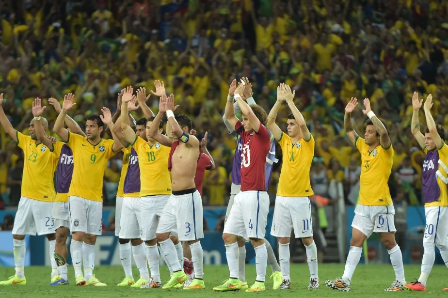 Le Brésil affrontera l'Allemagne en demi-finale du tournoi.... (PHOTO GABRIEL BOUYS, AFP)