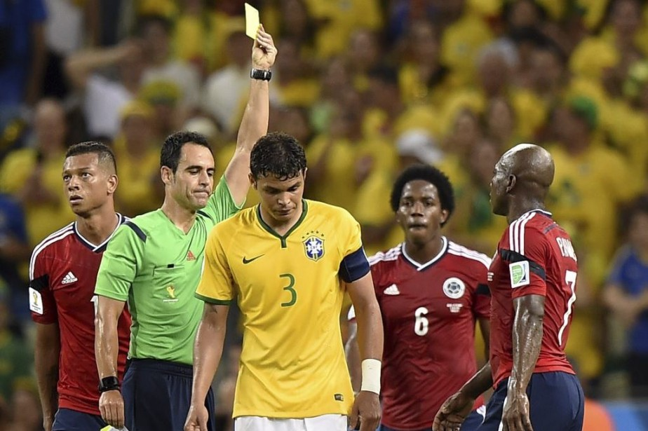 Thiago Silva est suspendu pour le match de... (PHOTO FABRICE COFFRINI, AFP)