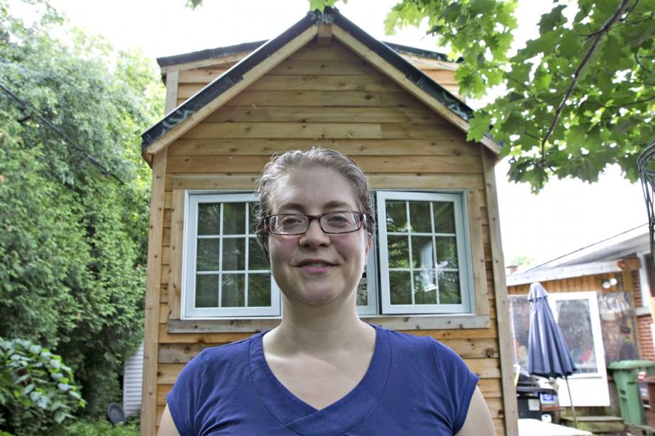 Passionnée par les micromaisons, Nathalie Héron organise des visites de son petit refuge. (Photo Olivier Jean, La Presse)