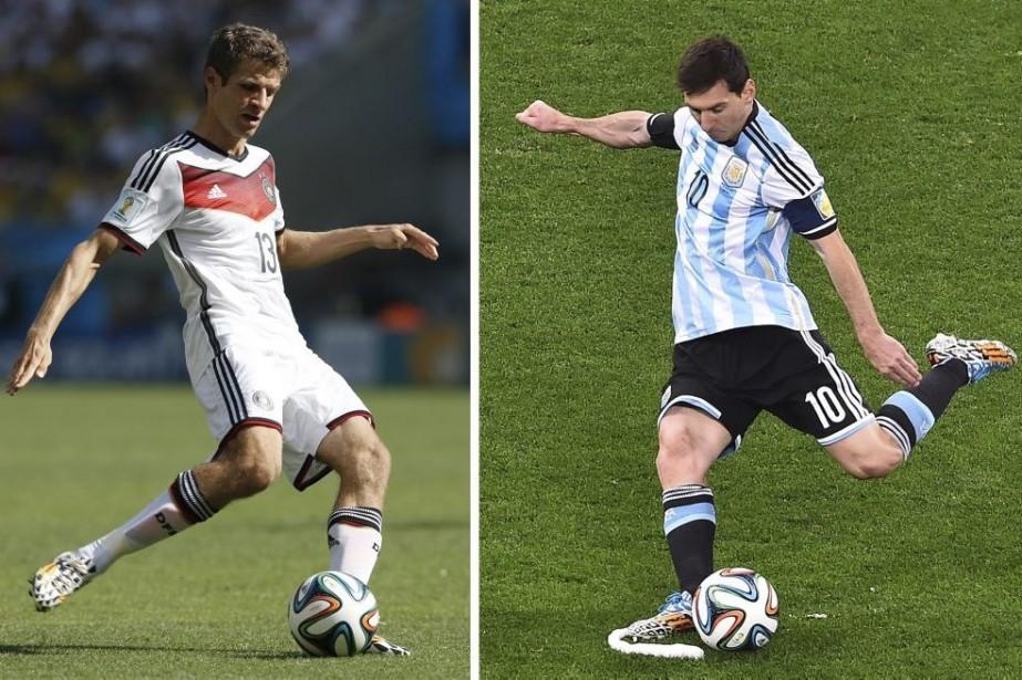 Thomas Mülleret Lionel Messi... (PHOTOS AFP)