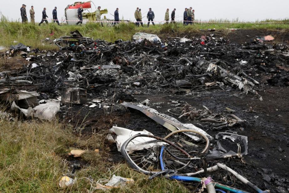 Les débris du Boeing 777 de Malaysia Airlines... (Phoot Dmitry Lovetsky, archives Associated Press)