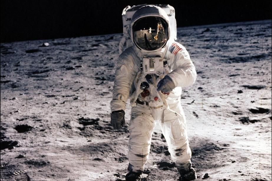 Buzz Aldrin lors de sa sortie sur la... (Photo AFP/NASA)