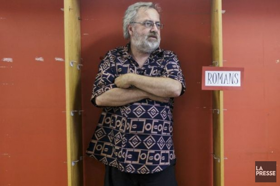 Coropriétaire de la librairie L'Écume des jours, Roger... (Photo: Ulysse Lemerise, collaboration spéciale La Presse)