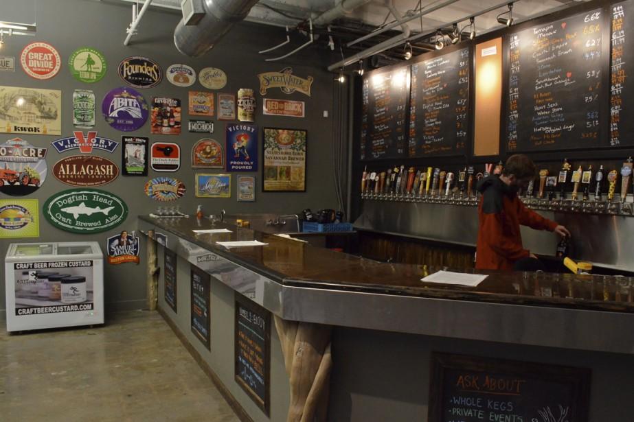 On peut emporter une des nombreuses bières en fut proposées au Beer Growler. (Photo Vincent Fortier, collaboration spéciale)