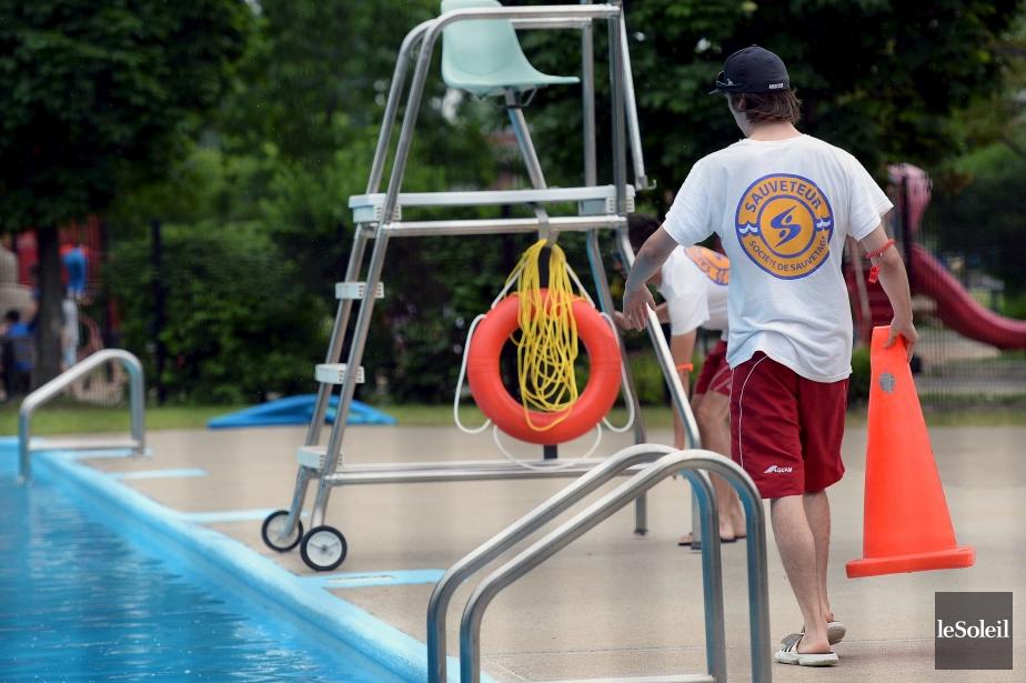 Mort du baigneur secouru dans une piscine publique de for Piscine du port marchand